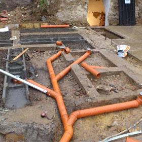 Kanalizace, vodovod