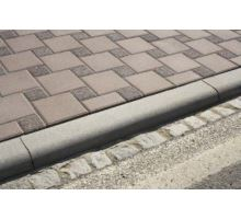 Betonový silniční obrubník Best Mono nájezdový 15 x 15 x 100 cm přírodní